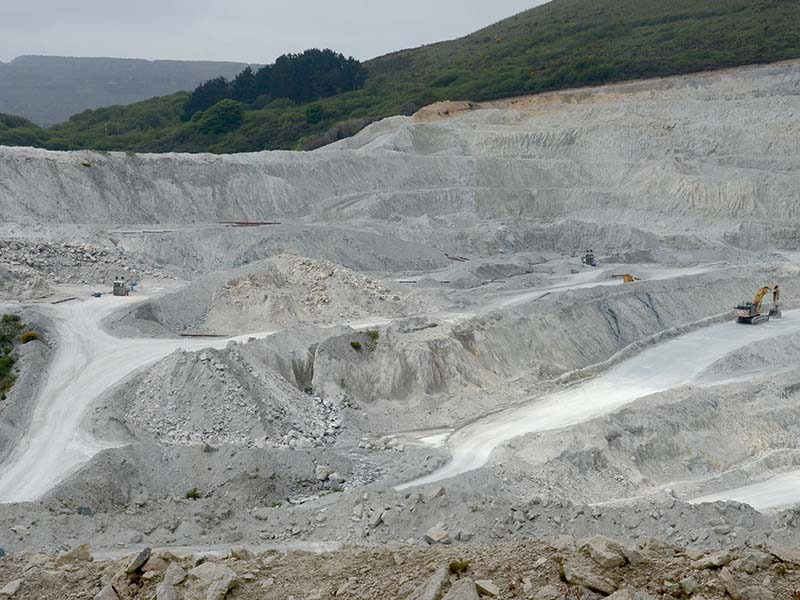 Extensive kaolinisation of granite in Wheal Martyn china clay pit